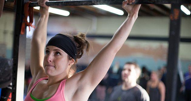 ćwiczenia na drążku dla kobiet